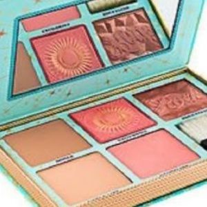 Benefits Cheek Parade Blush kit
